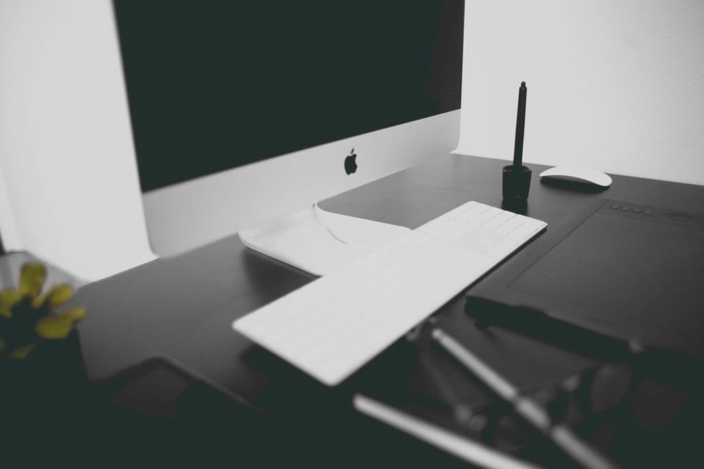 6 Essential Reasons to Start Your Own Website